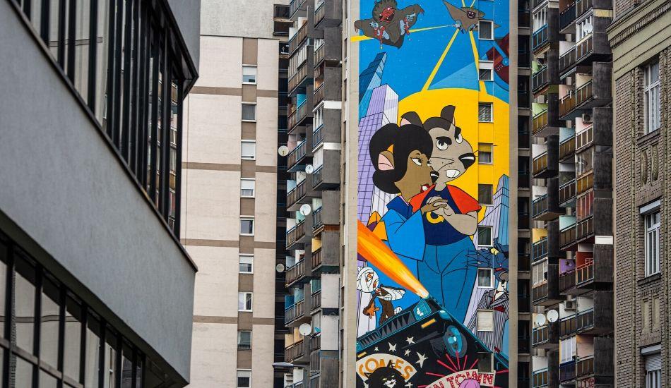 A nyolckert színesíti a világ legnagyobb Macskafogó-falfestménye